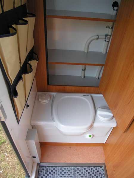 vorstellung expeditionsmobil woelcke seite 3. Black Bedroom Furniture Sets. Home Design Ideas